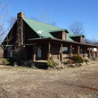 Custom Log Home and 40 Acres For Sale in Cherokee County KS!